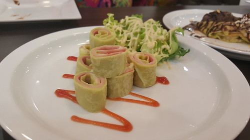 Ham & Cheese Roll Crepe 89 บาท
