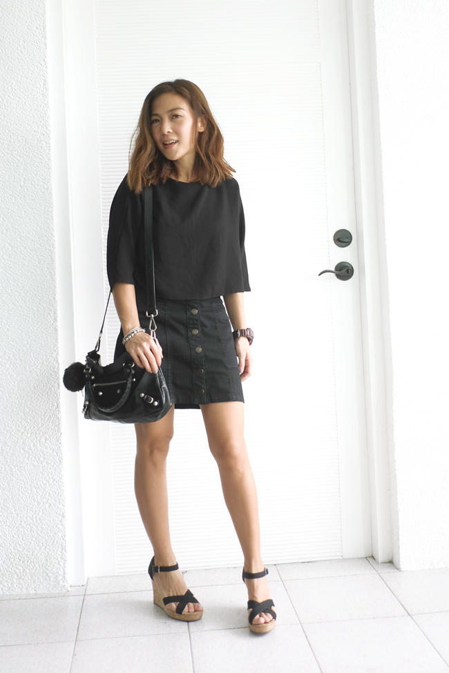 black button up mini skirt street style