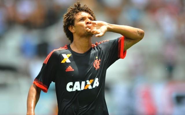 Willian Ar�o revela &#39sonho&#39 de jogar no Flamengo e exalta seu in�cio de temporada