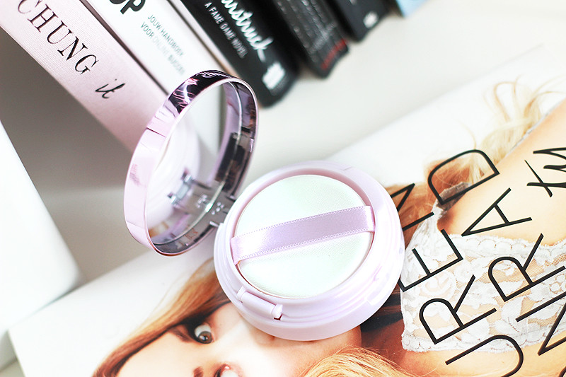 L'Oreal Nude Magique Foundation Cushion