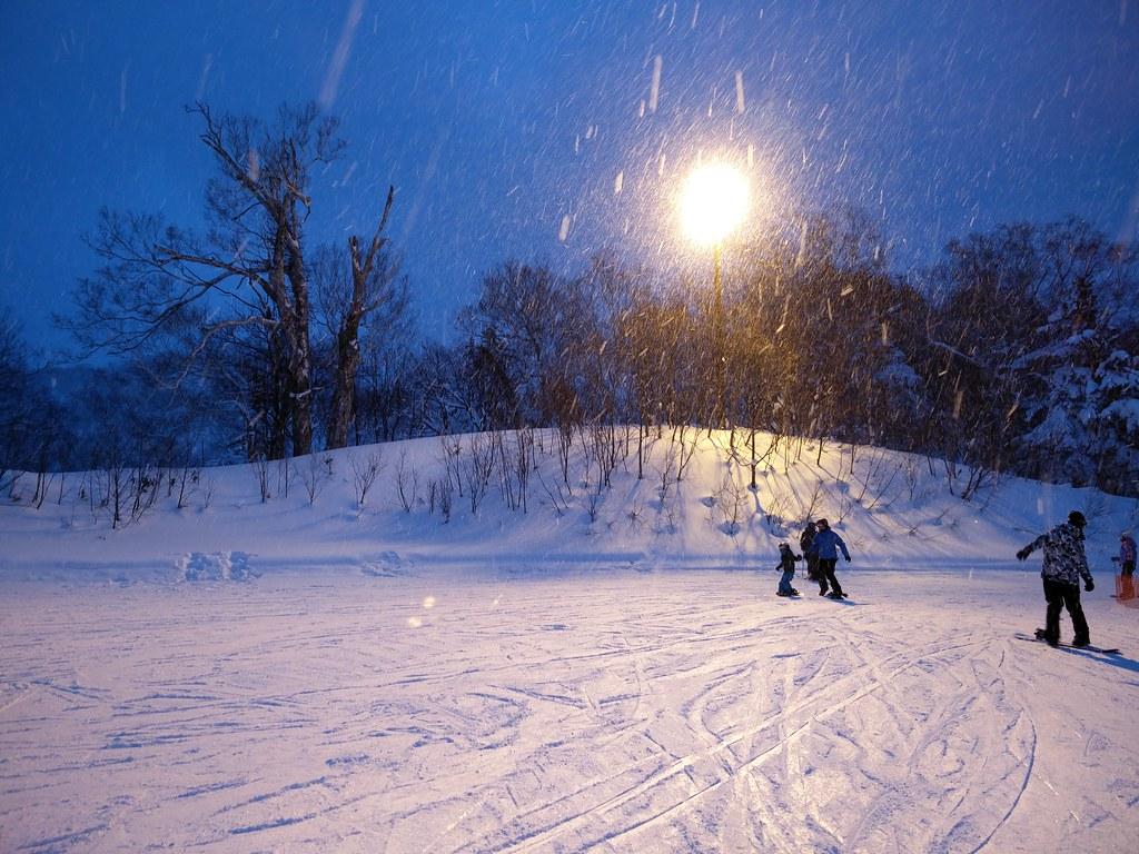 Nighttime snowboarding
