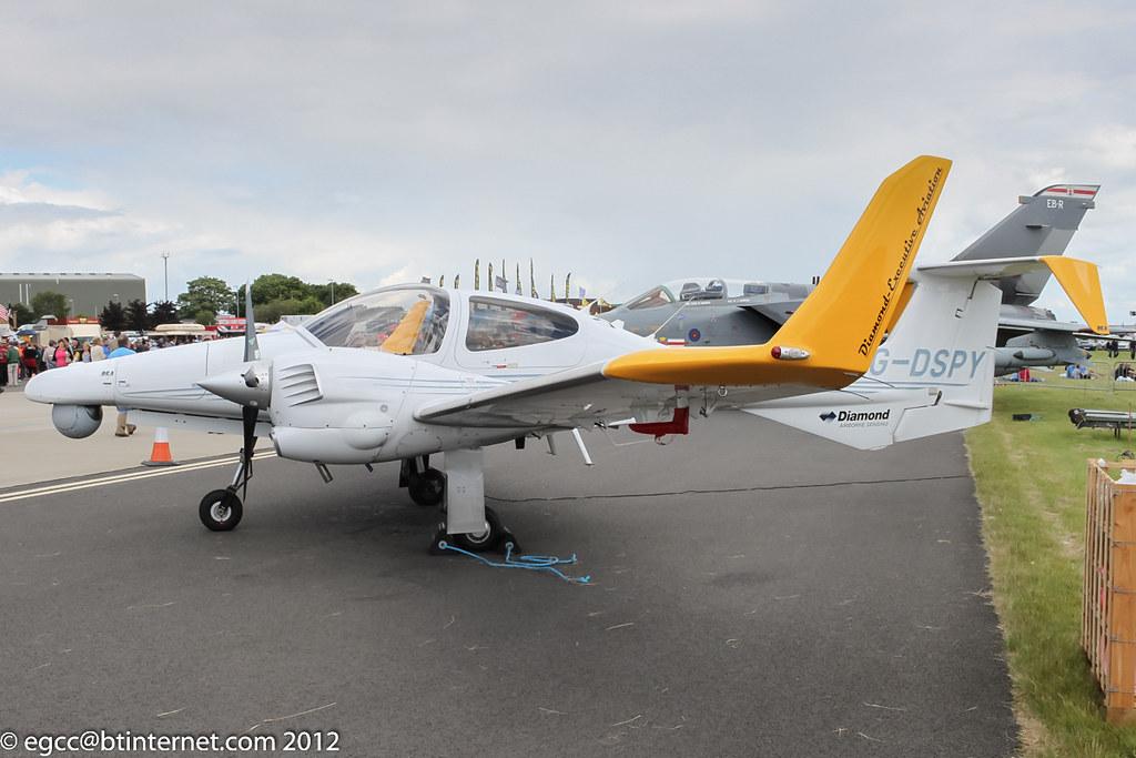 G-EMPP - DA42 - Diamond Executive Aviation