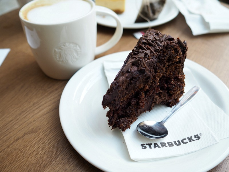 chocolate cake starbucks