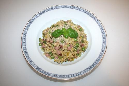 38 - Pastasotto with ham, leek & peas - Served / Pastasotto mit Schinken, Lauch & Erbsen - Serviert