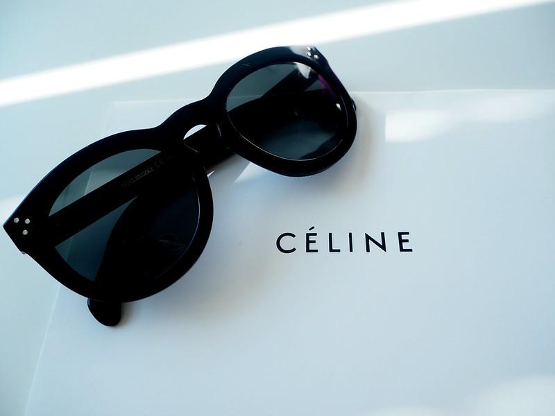 celinesunnies5,celinesunnies6, sunnies, sunglasses, aurinkolasit, celine, céline, preppy, celine preppy, muotitalo, ranskalainen, france, ostokset, shopping, sunglasses shop, asusteet, accessories, fashion, muoti, design, uv-suoja, polarisoidut, linssit, polarized, black, preppy model, preppy malli, stylish, finest, elegant, new, uudet, arvostelu, kokemukset, mitä mieltä, retrp, uniikki, muotoilu, handmade, käsintehty, kolme sarananiittiä, asetaatti, celine muotitalo, suostituimmat, most popular, celine logo, gold,
