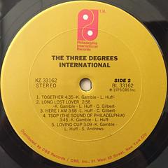 THE THREE DEGREES:INTERNATIONAL(LABEL SIDE-B)