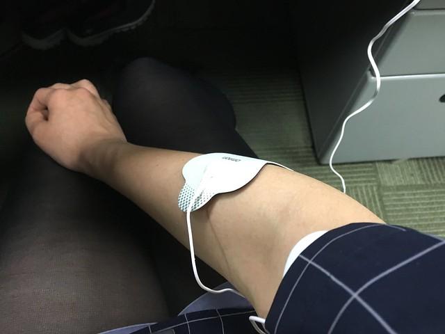 貼起來用看看@歐姆龍低周波治療器OMRON HV-F128