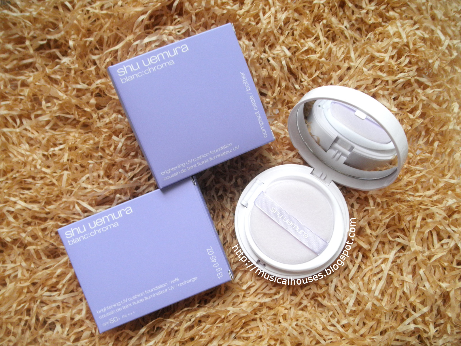 Shu Uemura Blanc Chroma Brightening UV Cushion Box