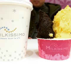 fondant chocolate & mango gelato❤︎  #milkissimo #nishinomiyagardens #japan #gelato