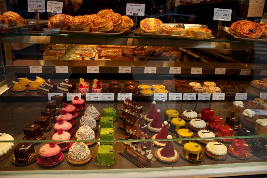 lara-vazquez-mad-lula-fashionblog-sweets-Paris-France