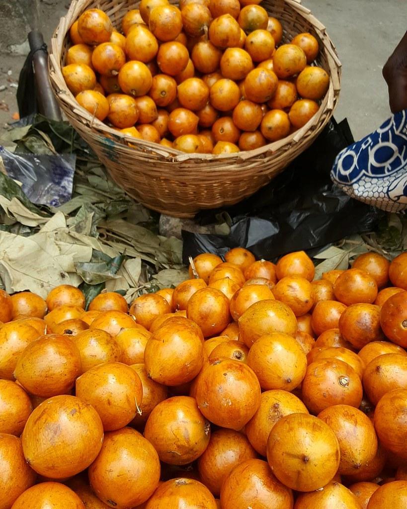 Agbalumo. Perspective | In season #Naijafood #Nigerianfruits #agbalumo #Udara #Nigeriancherry #Africanstarapple #kitchenbutterfly #agbalumoseason #newNigeriankitchen #Nigerianfruitsinseason #Nigeriancuisine