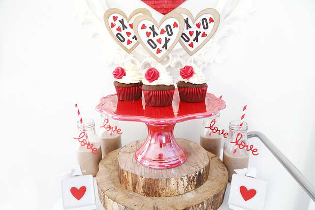 XOXO, easy valentine's day decor!