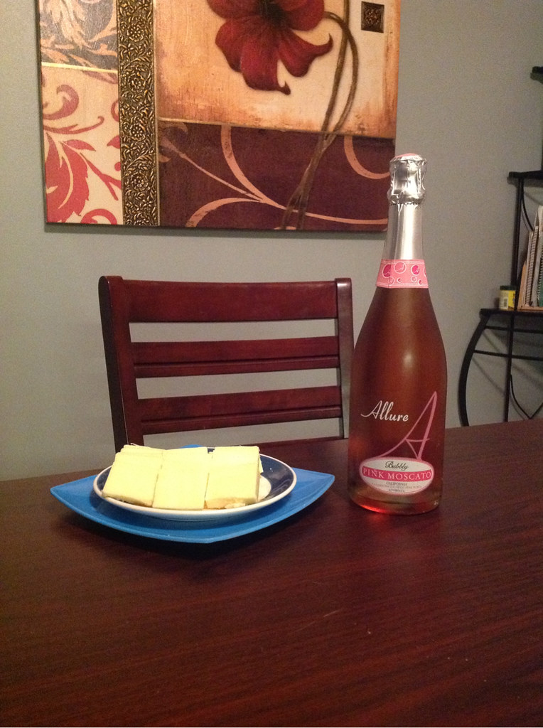 Sparkling Moscato and Cheddar 1