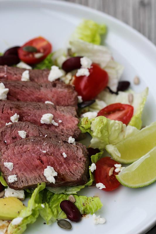 steikas su salotomis (5)