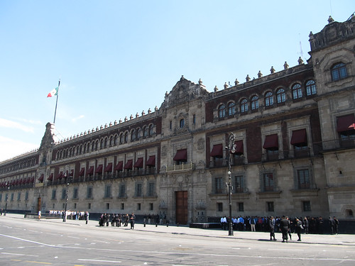 Mexico City: la Place Zocalo et son Palais National