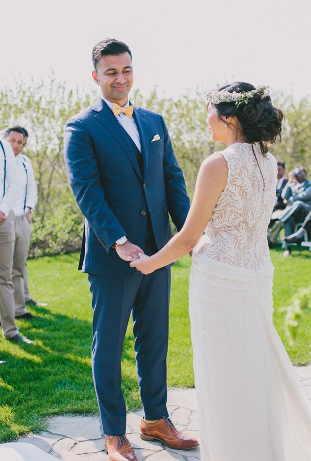 Pretty BHLDN wedding dress for Garden Chic wedding in Ontario The bride wears #BHLDN wedding dress   Photography: Fern Shin Photography   Read more on Fab Mood - UK wedding Blog #gardenwedding