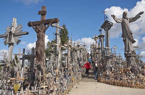 【写真】東欧周遊 : 十字架の丘(2)