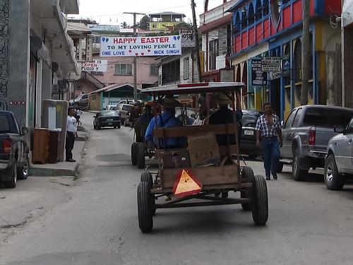 San Ignacio: des Amish en ville. Nous en croisons aussi régulièrement dans les bus.