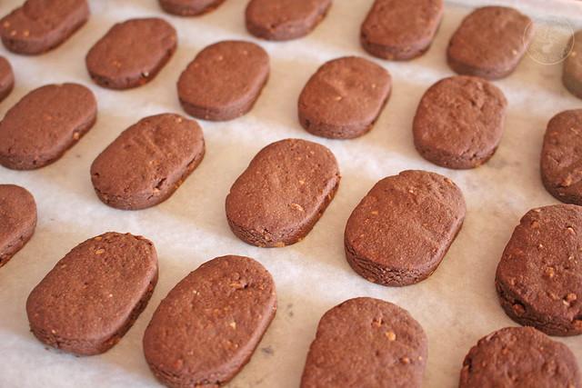 Polvorones de chocolate y almendra www.cocinandoentreolivos.com (12)