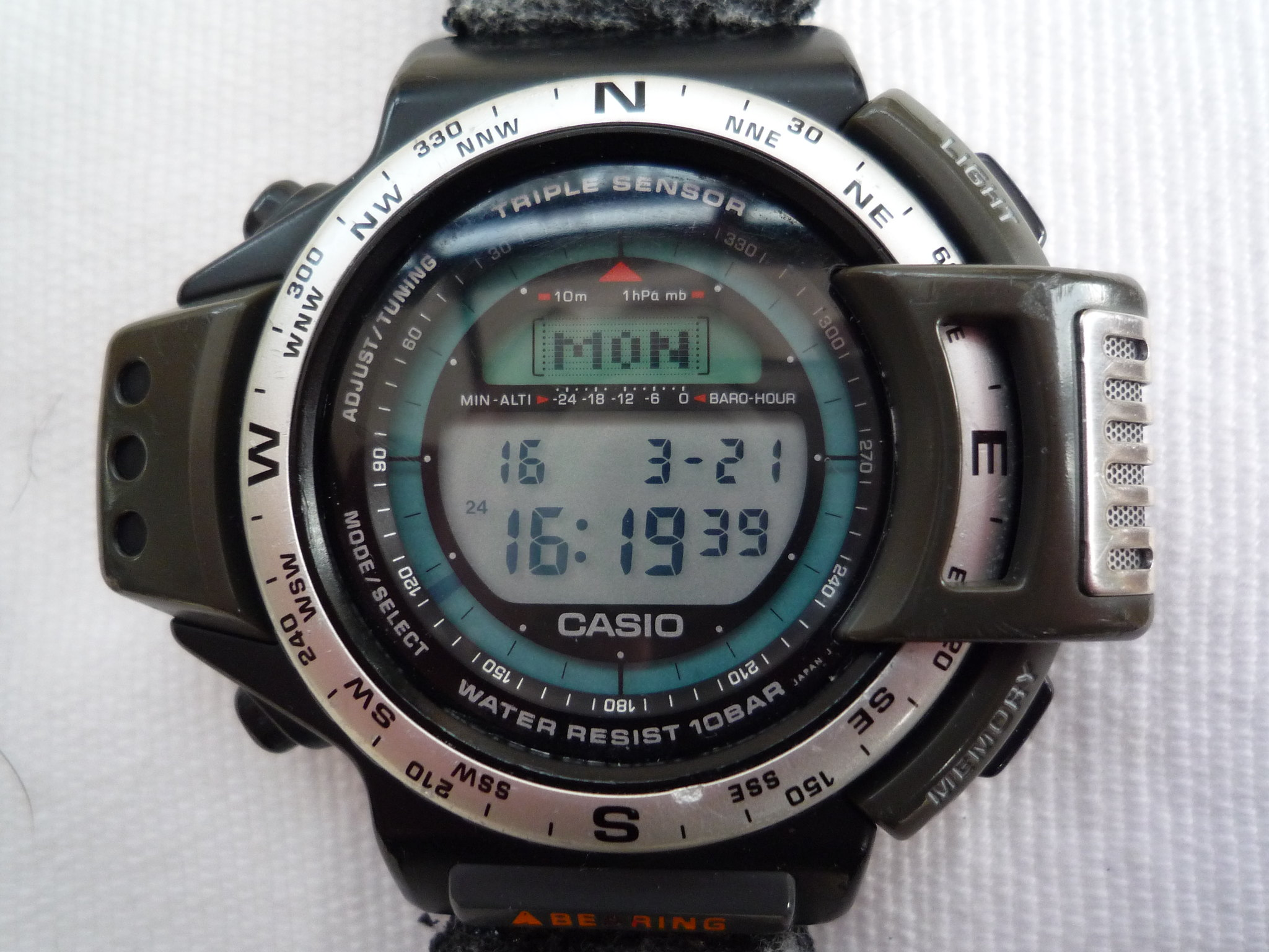 abc smart casio a wear climbs mountain review android watch watches outdoor