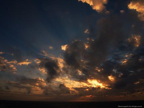 sea sky cloud sun sol sunrise dawn mar colombia amanecer infinito horizonte caribe