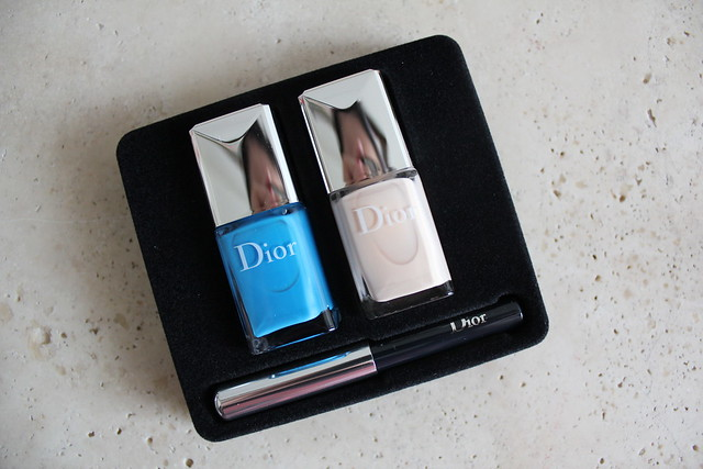 Dior Milky Dots summer 2016 Polka Colour & Dots Manicure Kit in 001 Pastilles review