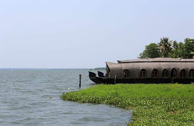 1604India-Boating2