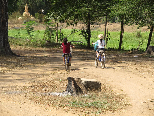 La campagne de Battambang: 2 écolières