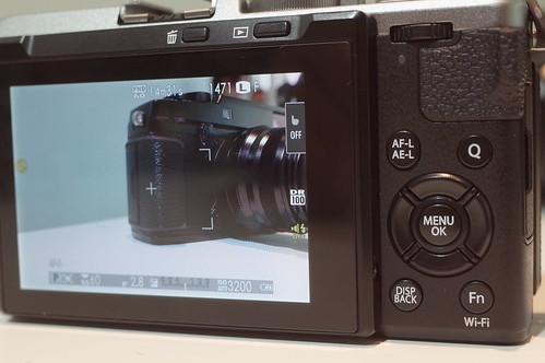 FUJIFILM X70 07