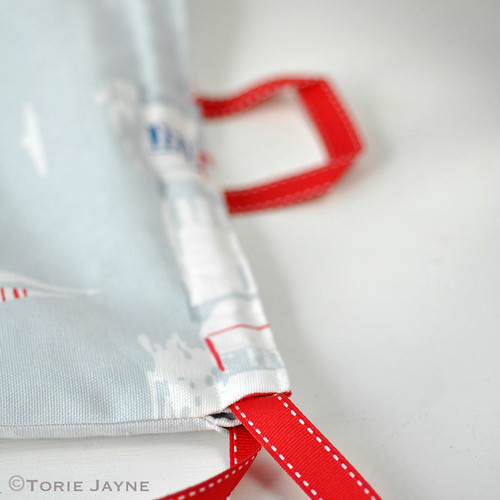 waterproof lined drawstring rucksack sewing tutorial 20