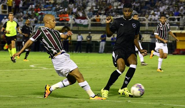 Gum guerreiro marca no fim e Flu empata com o Botafogo