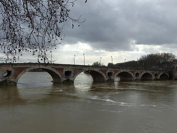 les trous du pont