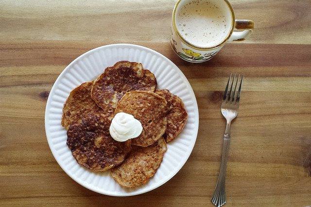 greek yogurt 52 ways: # 35 carrot cake pancakes