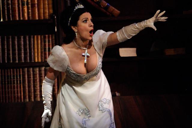 Angela Gheorghiu in Tosca © Catherine Ashmore/ROH 2010