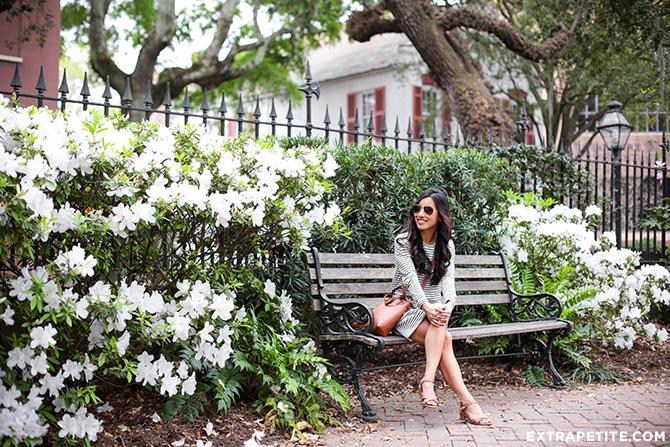 what to wear_tourist travel outfit spring