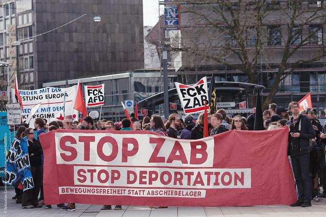 Demo 'ZAB schließen statt abschieben!', 02.04.2016, Bielefeld