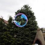 Makro Seifenblasen im Flug