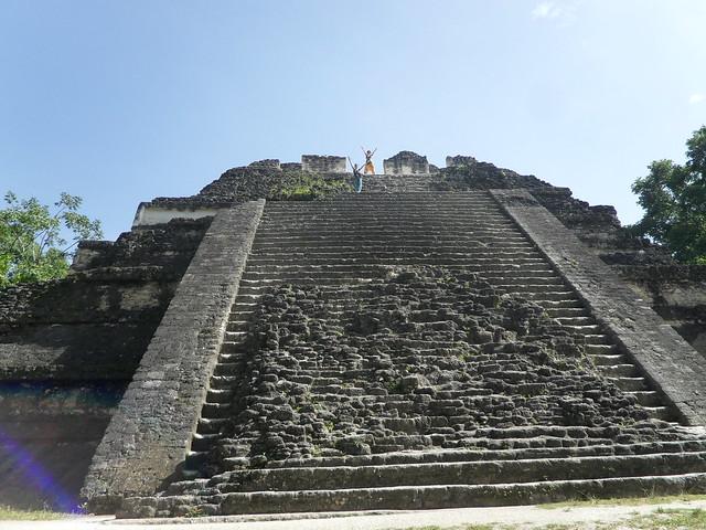 Piràmide Mon Perdut, a Tikal.