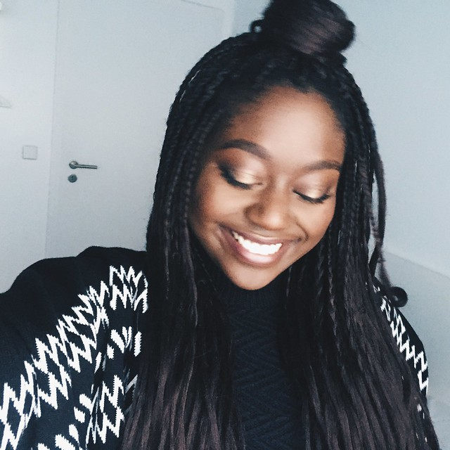 Blogger Appartement Lois Opoku selfies