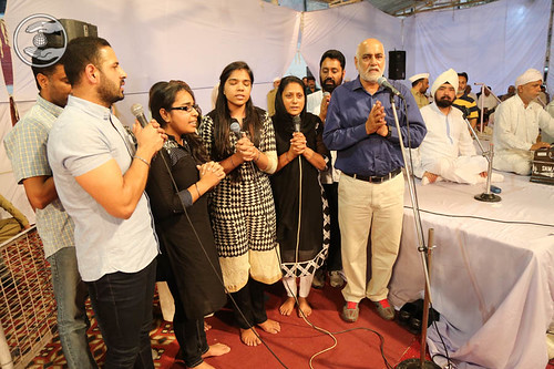 Devotional song by Dilbag Singh and Family