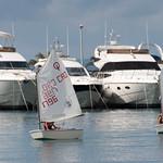 Niños navegando