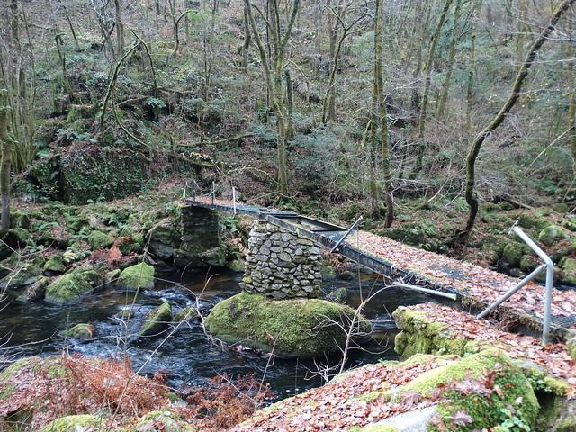 Puente sobre el Mandeo
