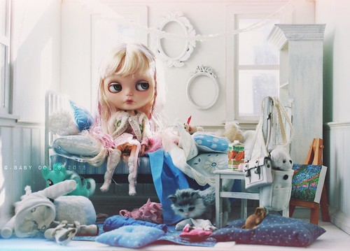 Holly needs to clean her room | by G.Baby Dolls