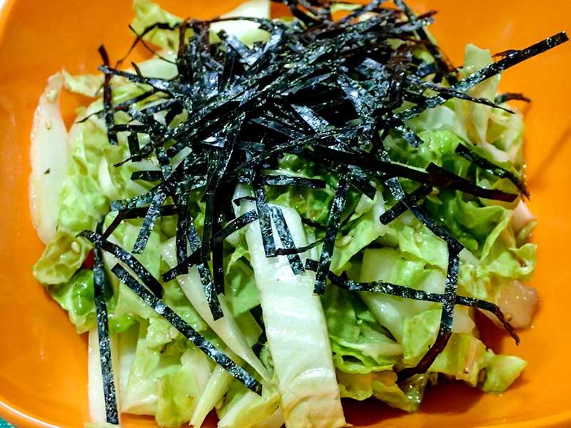 白菜のごま油サラダ