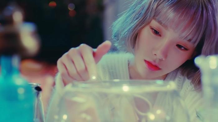 Rain, novo single da Taeyeon, é bom, mas exageradamente genérico