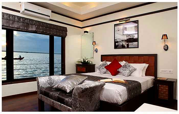 Clove Luxury Houseboat Traditional Kerala Backwater Cruises