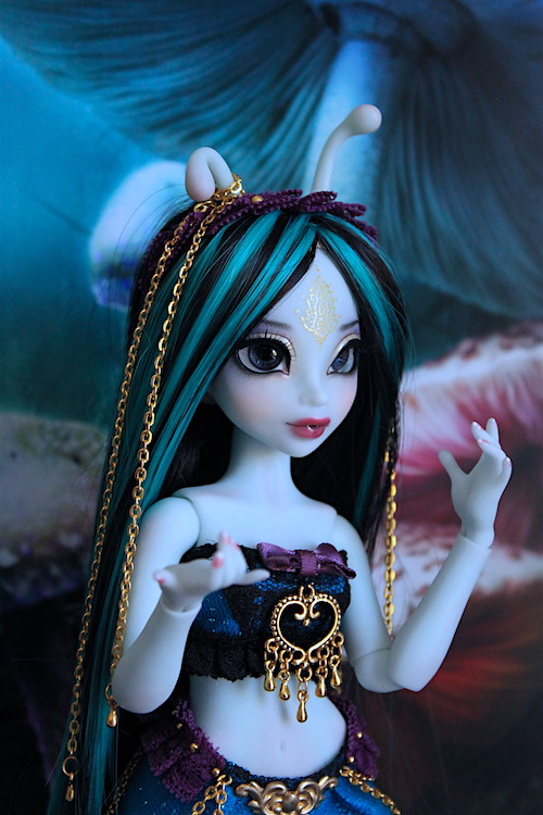 My blue Caterpillar (Aria Mystic Dolls)  25815636741_e2dbf899a2_b