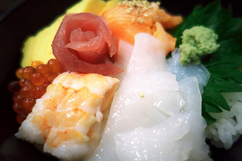 魚力寿司の海鮮丼の写真