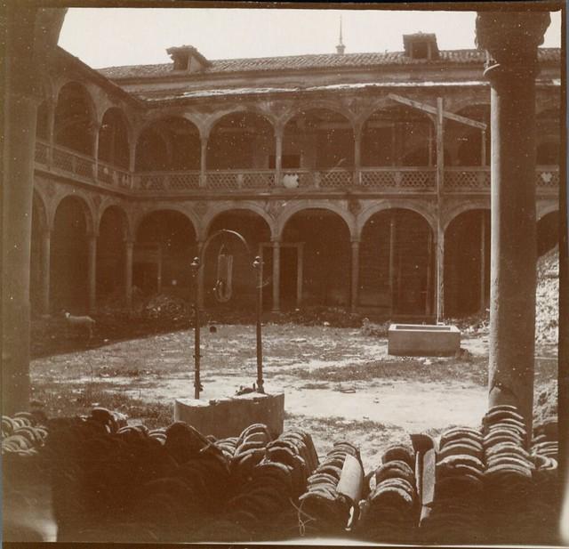 Hospital de Santa Cruz en 1906. Anónimo francés.