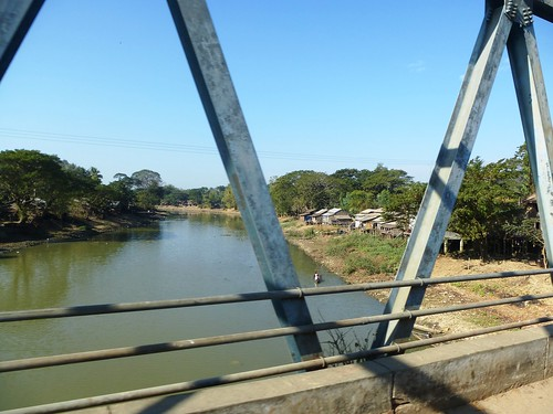 M 16-Yangon-Pathein-bus (75)